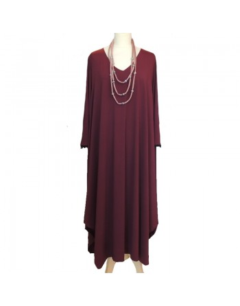 Longue robe rouge foncé