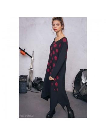 Longue robe noire pois rouges